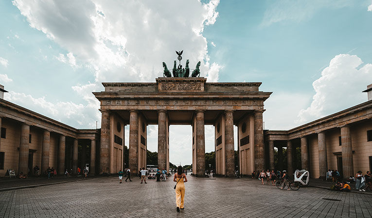 Nein Pros and Cons of Going to College in Germany