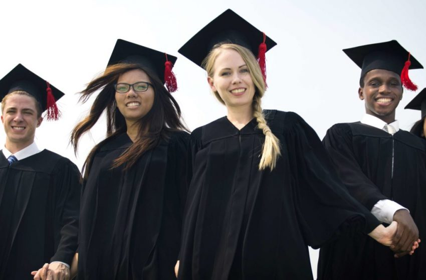 The Jobs And Salary Prospect Of Earning An MBA Degree In Canada